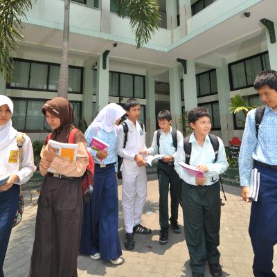 smp-islam-terpadu-papb-semarang-etika di sekolah